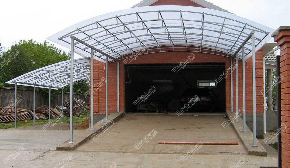 Навес из поликарбоната пристроенный к гаражу